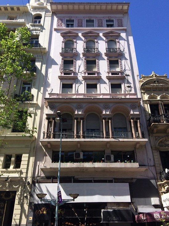 apartamento en venta sobre avenida 18 de julio - centro