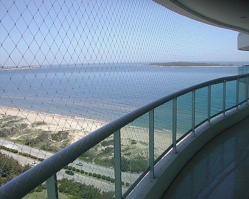 apartamento frente al mar en playa mansa con gran vista