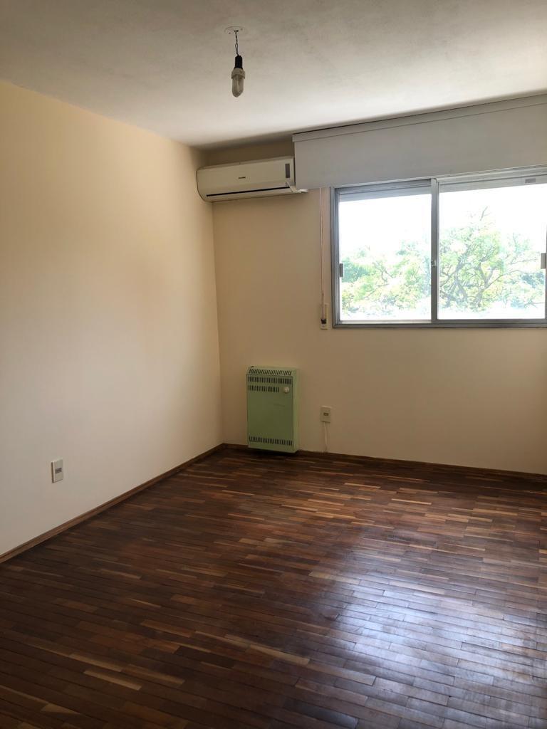 apartamento pocitos 3 cuartos 2 baños muy luminoso