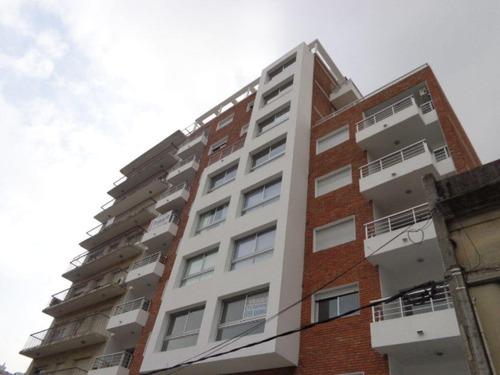 apartamento pocitos venta 2 dormitorios y gran terraza! ed. zen, lamas y osorio