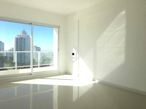 apartamento punta del este en torre de categoría, terraza, piscina, 3 dormitorios - ref: 24