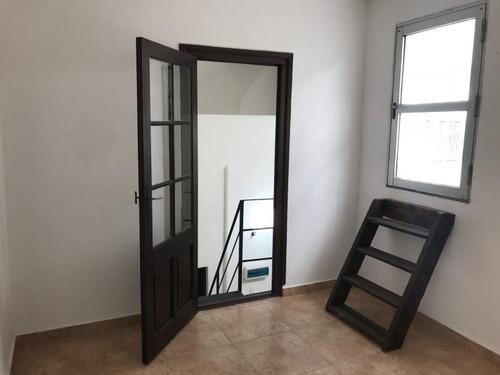apartamento reciclado, sin gastos comunes.