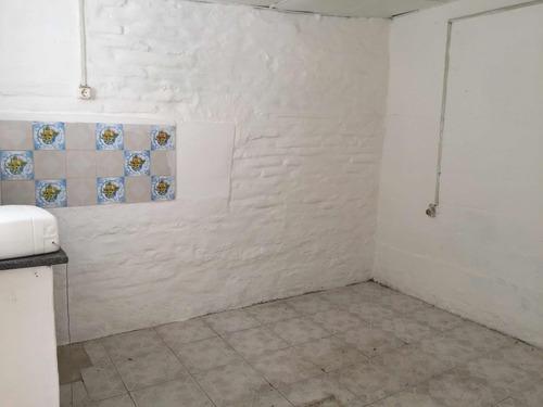 apartamentos al fondo 1 dormitorio piedras  blancas