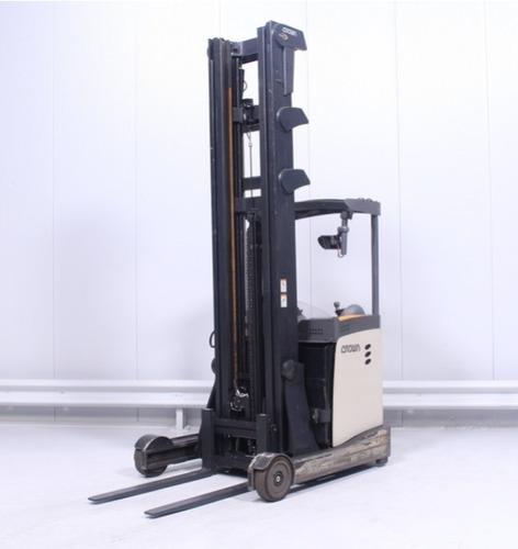apilador retractil reach crown esr5000 (2000kgs)9.15mts 2010