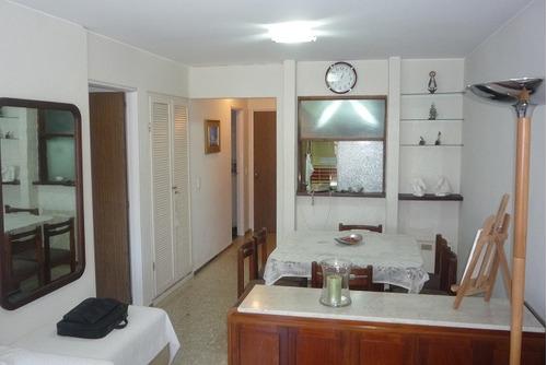 apto 1 y 1/2 dormitorio equipado y  muy bien ubicado.