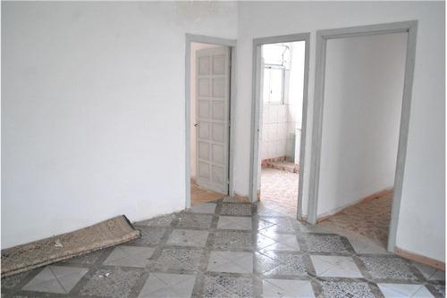 apto 2 dorm con patio prox a av. italia y comercio