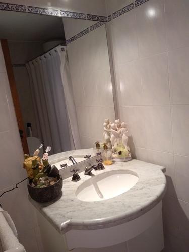 apto. 2dormitorios y dos baños