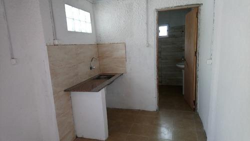 apto a estrenar 2 dormitorios, patio a 1 cuadra de san marti