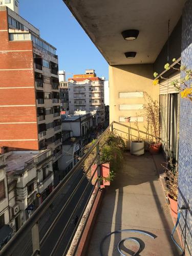 apto centro 4 dorm, balcón y patio