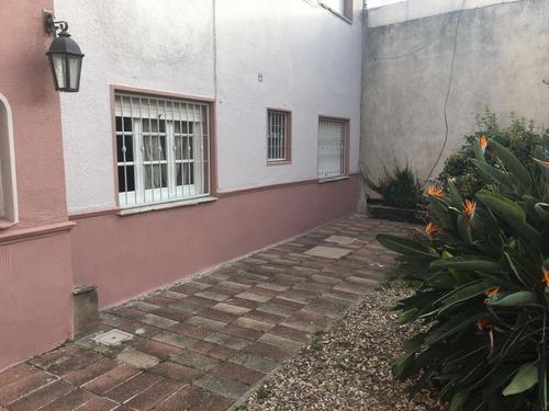 apto con patio común y patio exclusivo. calle baldomir