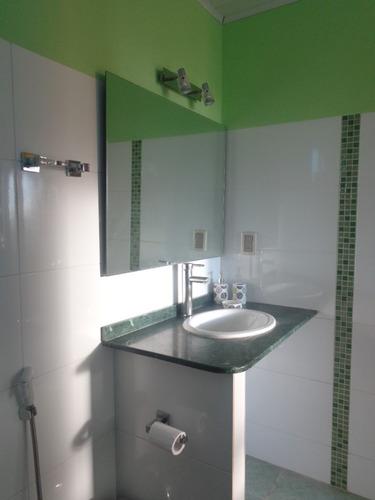 aptos yave yireh con baño en suite.