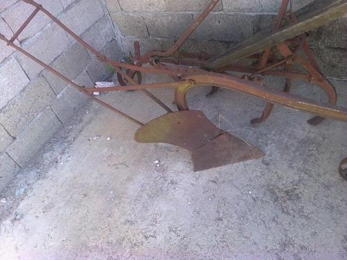 arado antiguo de mancera