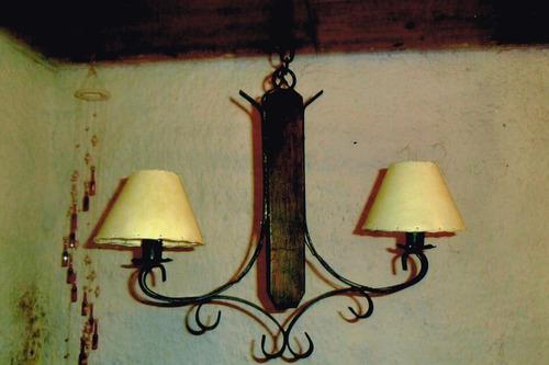 arañas colgante hierro y madera rustica