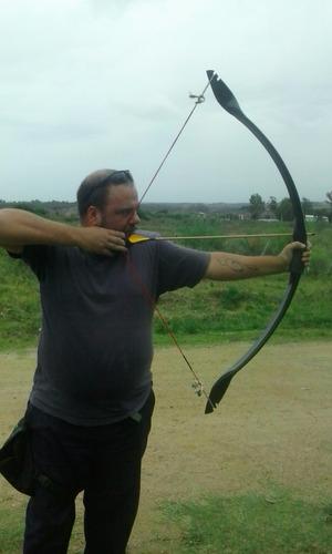 arco elfo silvano, en pvc 50-55 lbs, verde-negro + 2 flechas