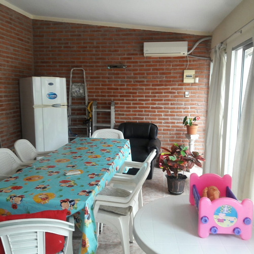 atención hermosa casa de 4 dormitorios garaje y gran fondo!!