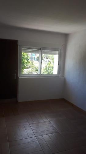 atlantida, casa 2 dormitorios, 2 baños, fondo y parrillero