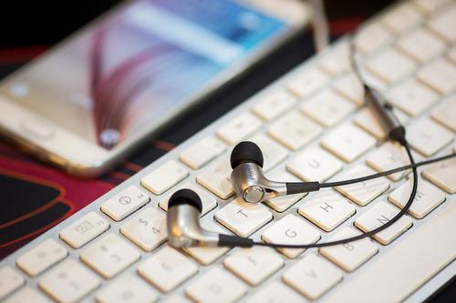 auricular edifier p230 in-ear microfono omnidireccional