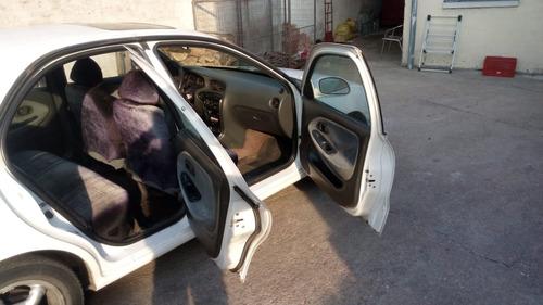 auto hyundai elantra sedan 4 puertas