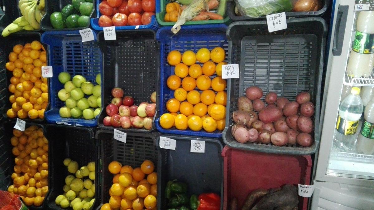 autoservice con rotiseria fiambreria verduras y panificados