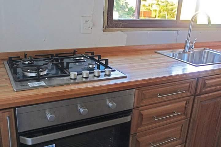 Muebles De Cocina A Medida Bajo Mesadas Aéreos Madera Maciza