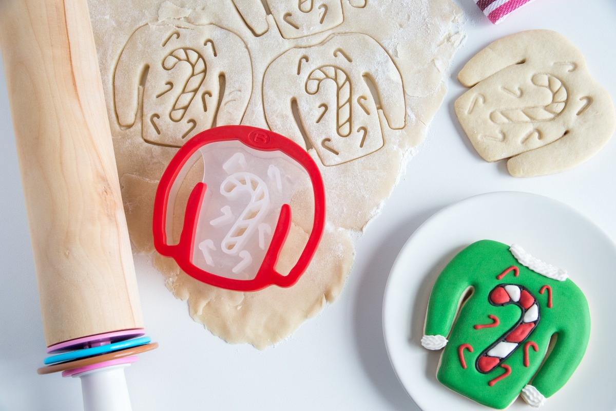 Bakelicious 72832 Ugly Christmas Sweater Cookie Cutter C