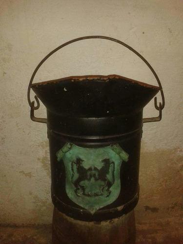 balde antiguo grande