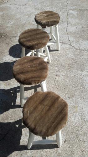 banquetas en madera tapizado en piel