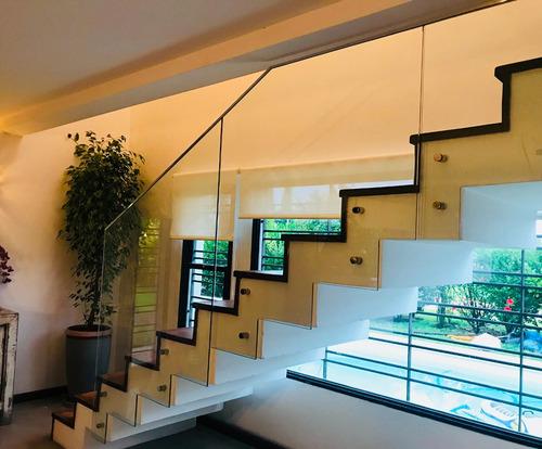 barandas de vidrio balcones , escaleras, pasillos modernos