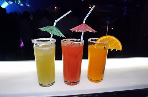 barra de jugos frutas naturales sin alcohol