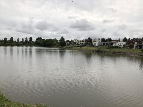 barrio carmel terreno con vista al lago