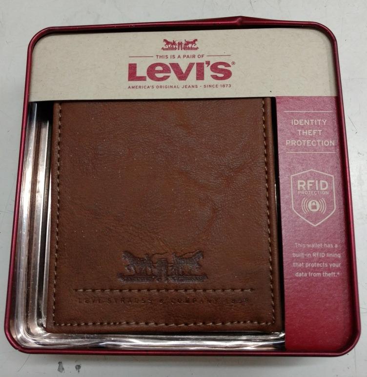 21dd5ada4 Billeteras Levis Cuero - $ 1.400,00 en Mercado Libre