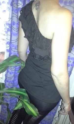blusa negra desport fino con encajes