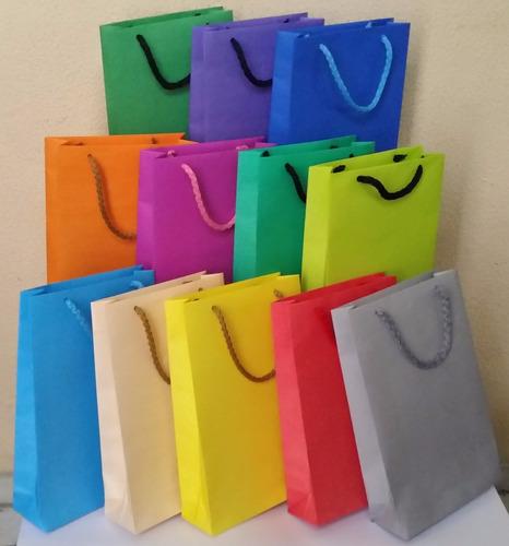bolsas en papel para regalos, sorpresitas  con asas