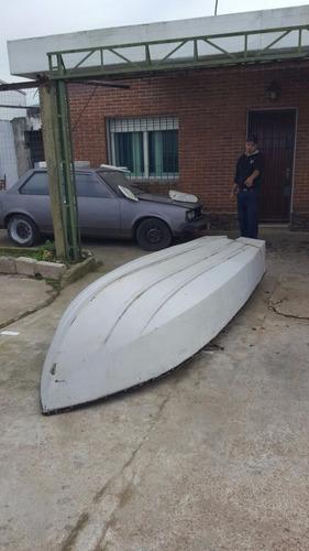 bote de fibra muy marinero