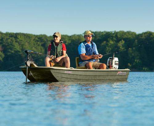 bote de pesca con butacas, posa cañas, luces, carnada viva