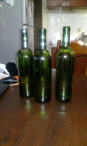 botellas de vidrio verdes de 750  ml.