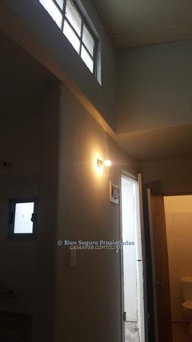 buen apartamento en planta baja en venta en maroñas