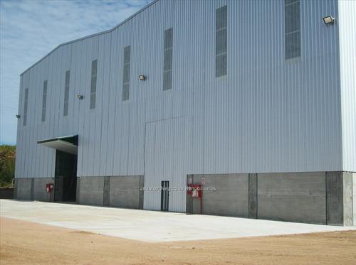 buen local industrial en las piedras cw76939