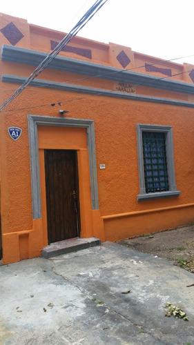 buena propiedad, a pocas cuadras de avenida garzón!!