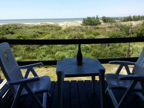 cabaña con vista al mar.  1 dormitorio. salida a la playa