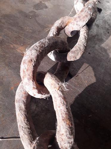 cadena  de barco antigua