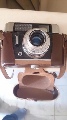 cámara fotográfica antigua