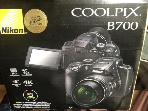 camara nikon coolpix b700