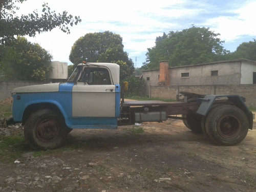 camión tractor dodge