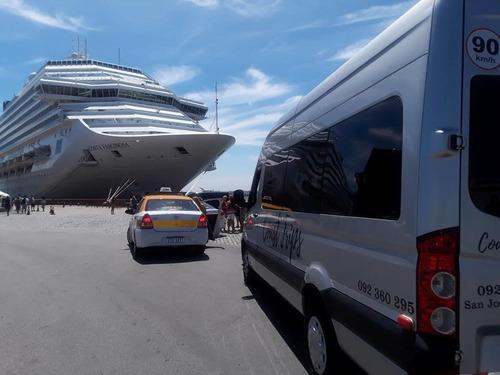 camioneta pasajero traslado alquiler aeropuerto remis cumple