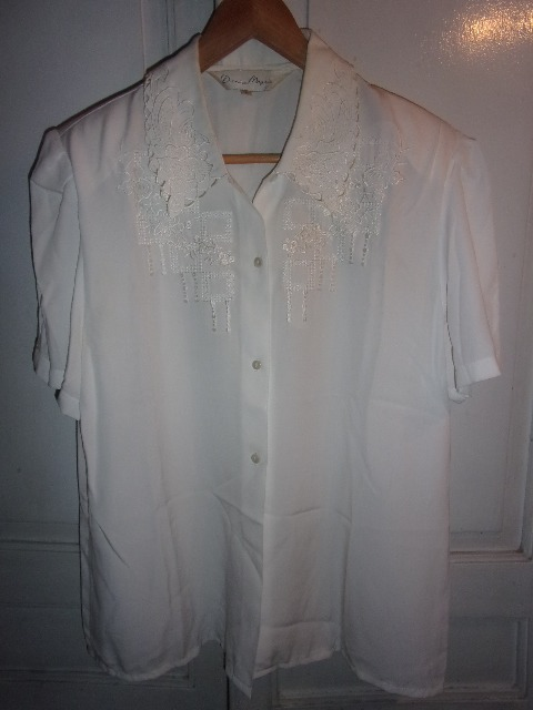 866fb3644 Camisa Blanca Manga Corta Con Bordados Para Dama Talle L - $ 500,00 ...