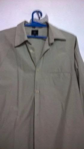 camisa joven gris