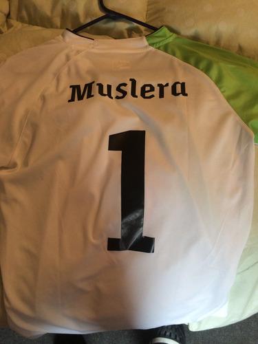 camiseta muslera sudáfrica 2010 uruguay puma utileria