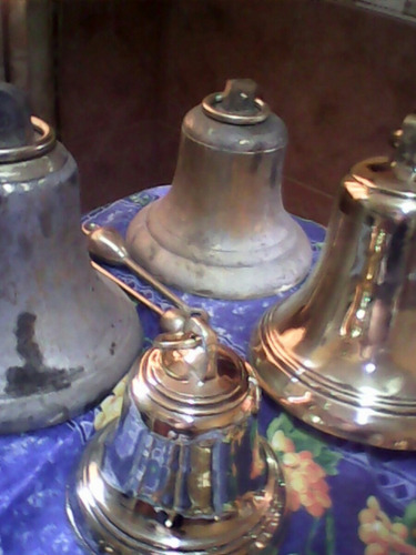 campanas de bronce  pulidas  con badajo de bronce y argolla