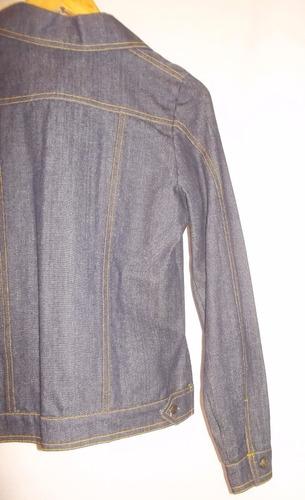 campera de jean talle 42/44 azul con pespunte dorado